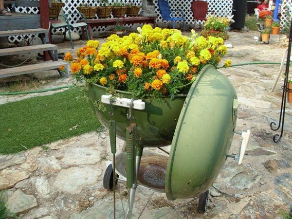 Grill Flower Pot | Sheknows.com