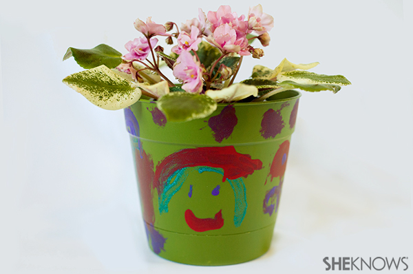 Earth day plant crat | Sheknows.com - plastic pot