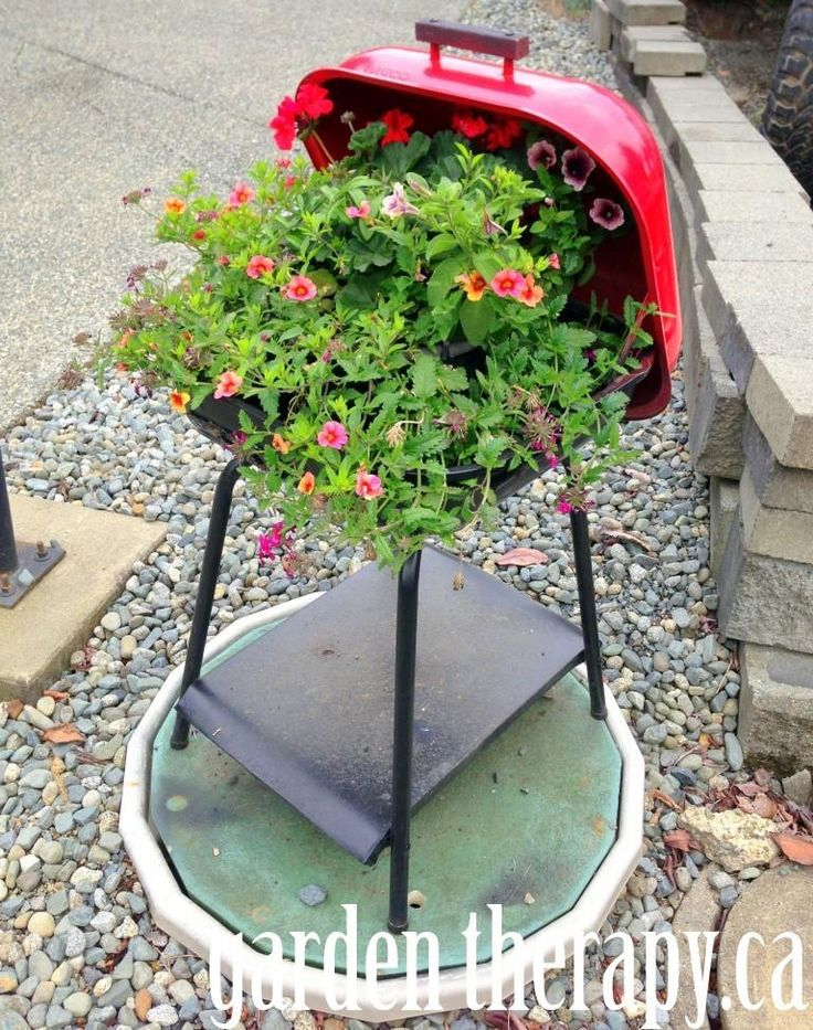 Barbecue grill flower pot planter | Sheknows.com