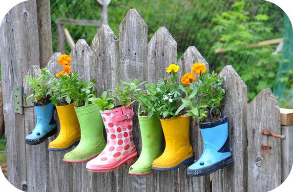 Rain boots flower pot planter | Sheknows.com