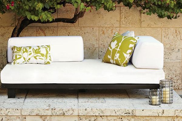 Modular: Tillary Outdoor Sofa | Sheknows.com