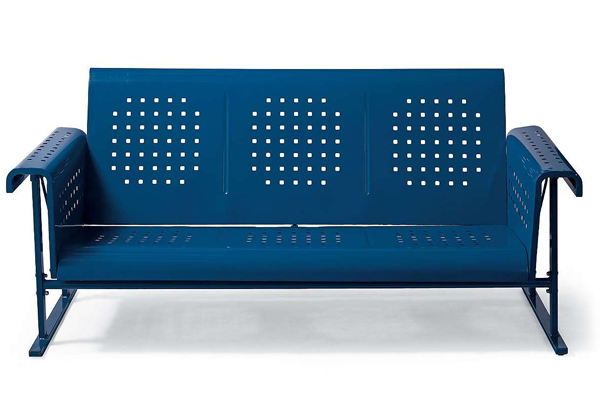 Retro: Metal glider sofa | Sheknows.com