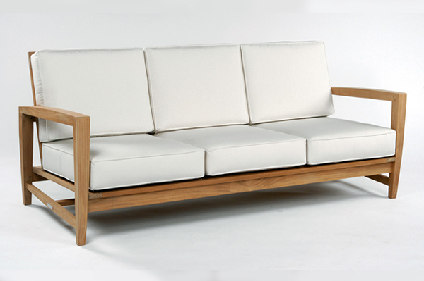Classic: Teak patio sofa | Sheknows.com