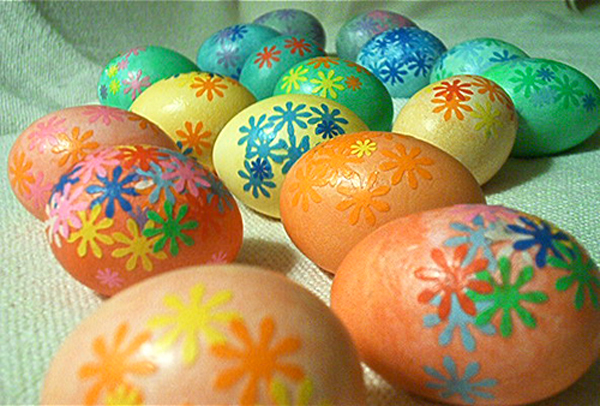 Mod Podge decoupage Easter eggs | Sheknows.com {focus_keyword} 12 Kid-friendly Easter egg crafts mod podge decoupage easter eggs