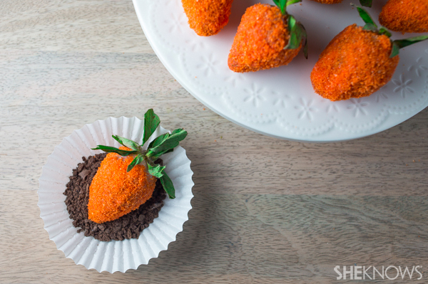 Easter chocolate covered strawberries | SheKnows.com