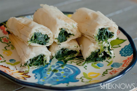 Spinach and cheese phyllo roll ups