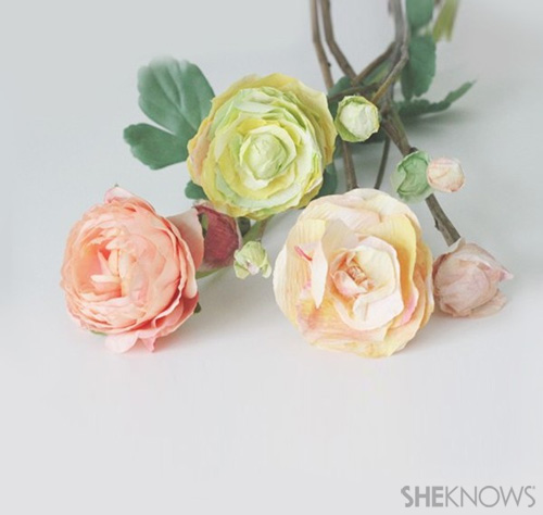 DIY Ranunculus flowers: Add stems & Enjoy!