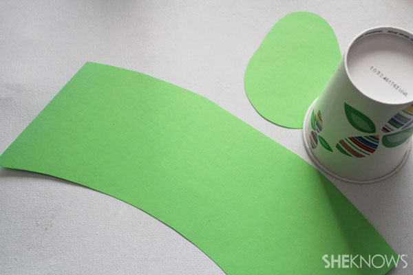 DIY Fire-breathing dragon craft: Cut paper to fit cup