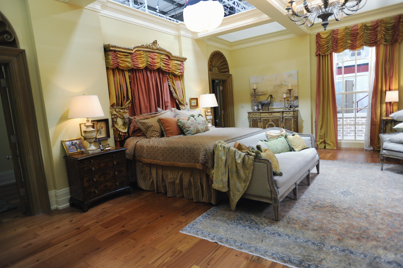 Nashville's Rayna's Southern bedroom