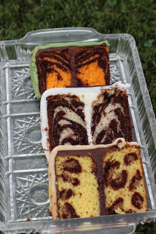 Pinterest cakes- Animal Print INSIDE the Cake