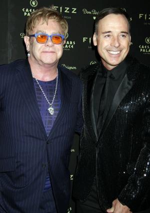 Elton John & David Furnish to tie the knot