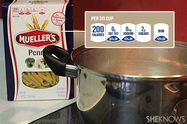Garlic chicken pasta with arugula | Sheknows.com - boil pasta