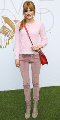 Bella Thorne's cute colorblocking
