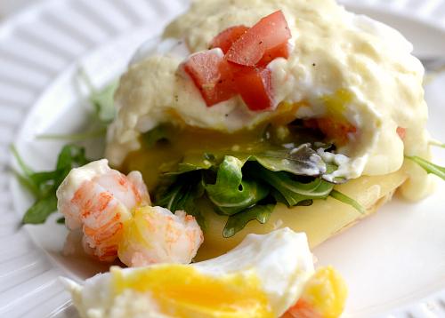 Lighter lobster eggs Benedict