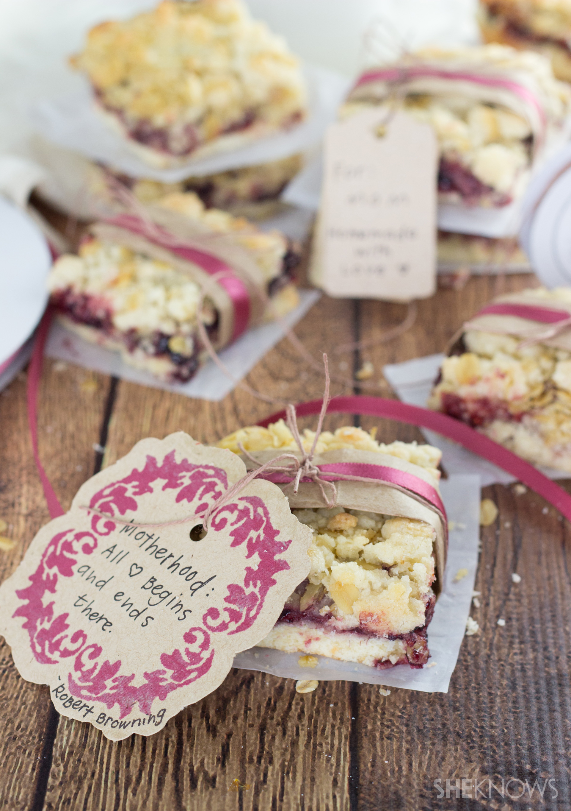 Simple raspberry jam bars