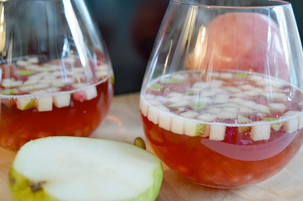 Cranberry pomegranate spritzer