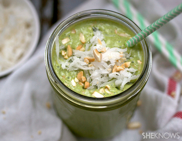 Flax seed, banana & cashew butter & spinach smoothie