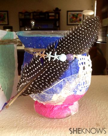 Decoupage feather vase | Sheknows.com