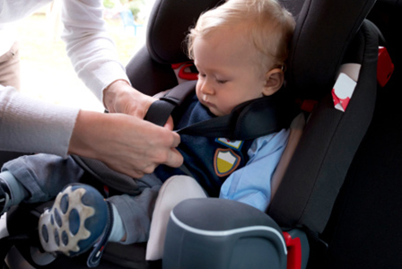 Child in car seat | Sheknows.com