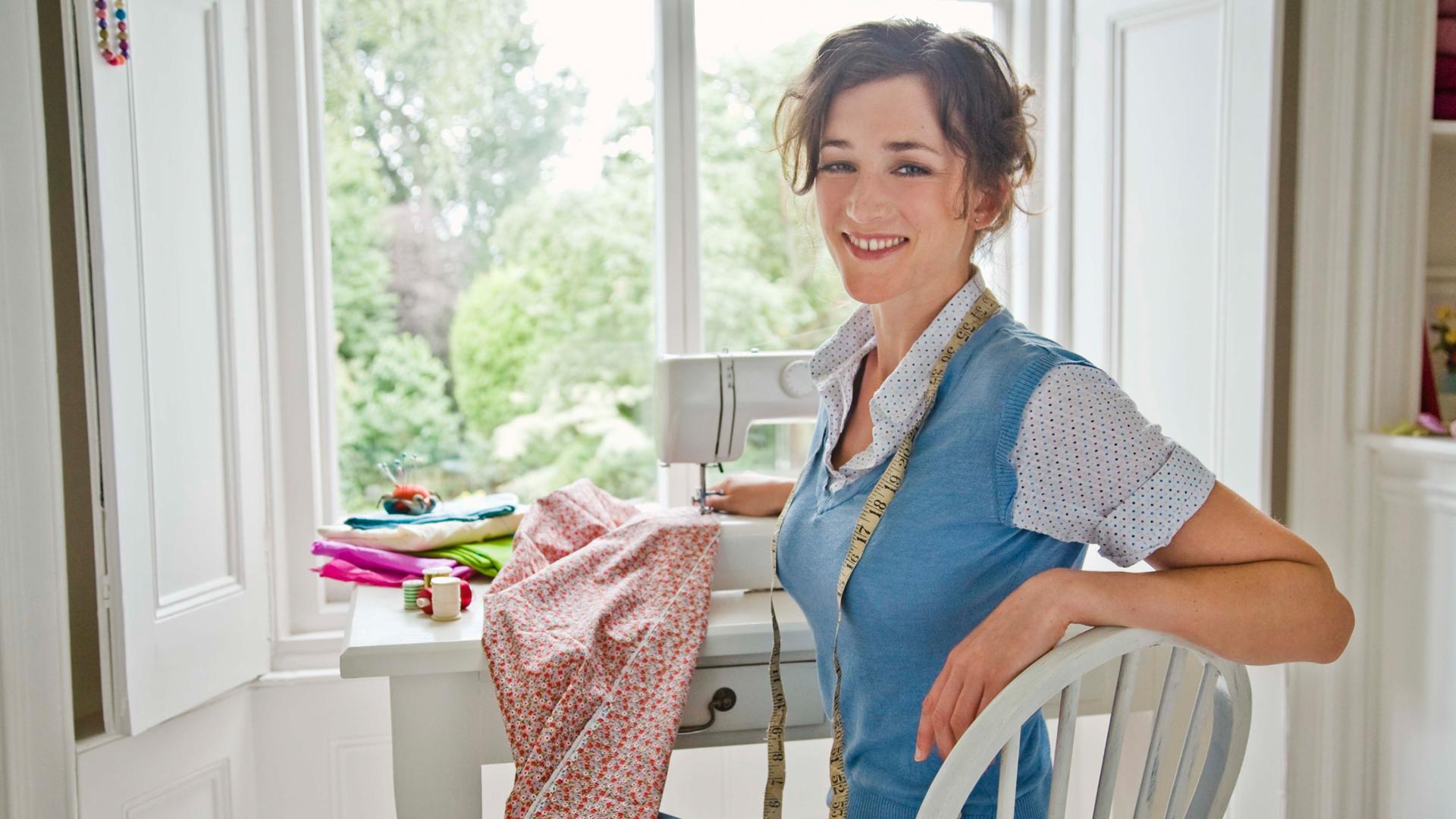 Woman sewing | Sheknows.com