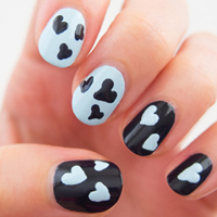 Floating hearts nail design
