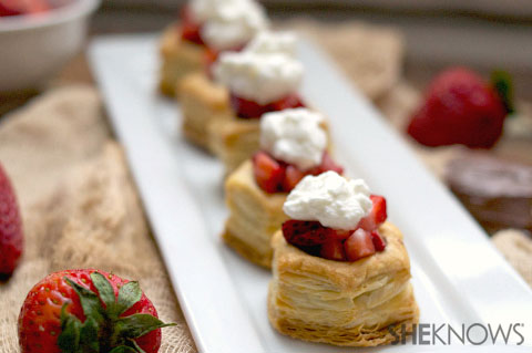 Hazelnut, whipped cream & strawberry puffs