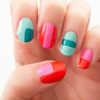 Two-toned colorblocking nail design