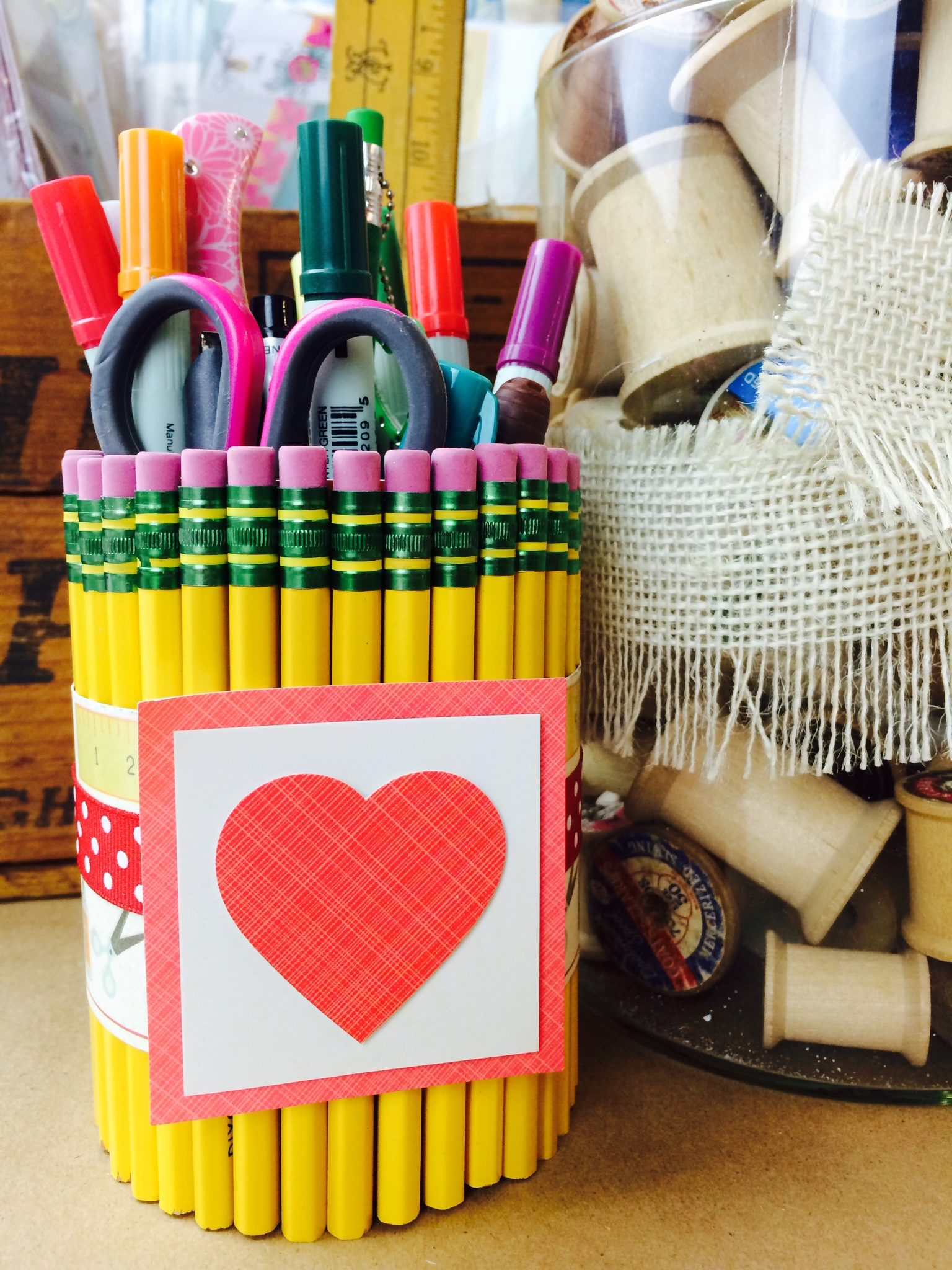 DIY pencil holder, end of the year teacher gift