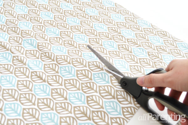 allParenting Table Cloth Mei Tai step 1