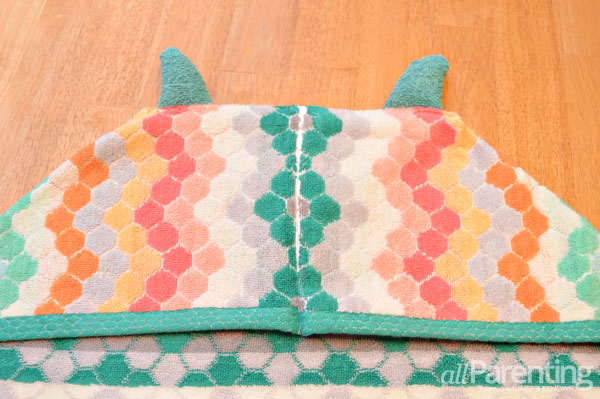 allParenting DIY monster hooded bath towel step 6