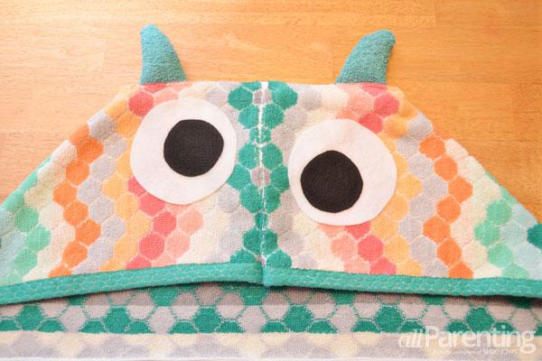 allParenting DIY monster hooded bath towel step 7b