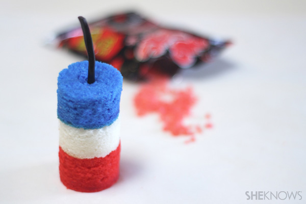 Patriotic desserts- Fourth of July firecracker cakelette recipe