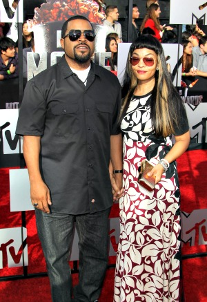 "Ice Cube accused of being a ""sore loser"""