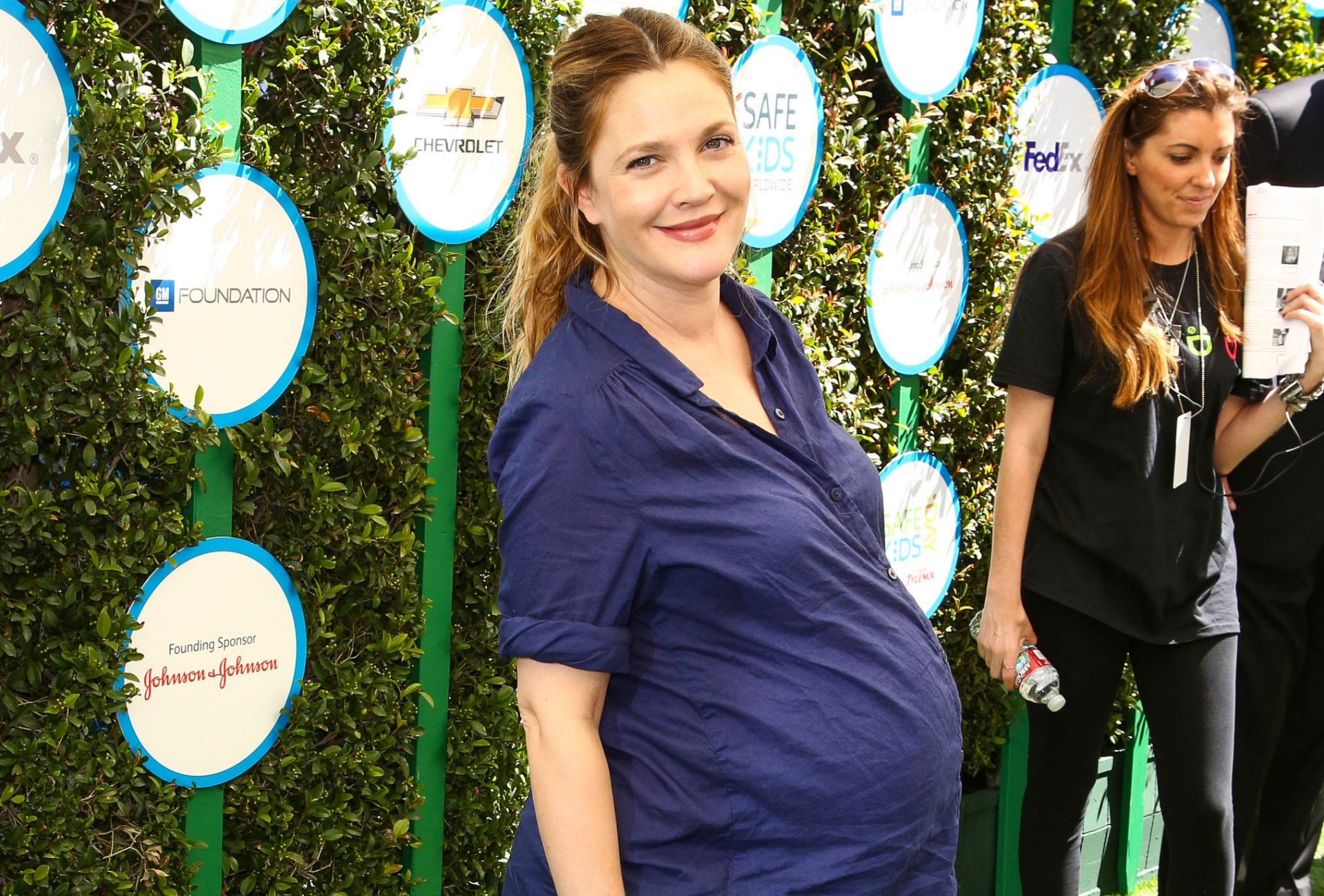 Actress gives birth to daughter Frankie