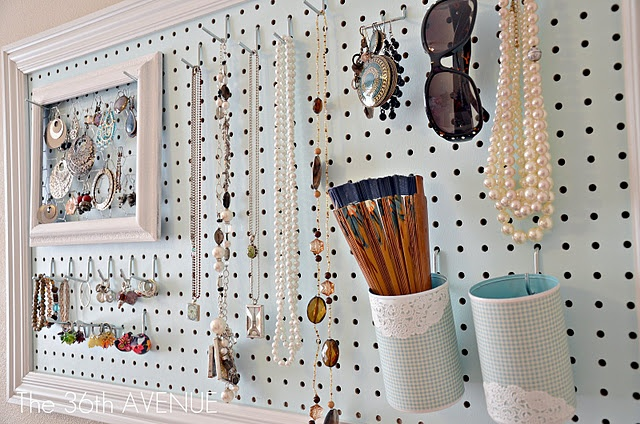 peg board jewelry holder
