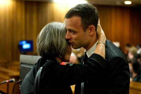 Oscar Pistorius takes the stand