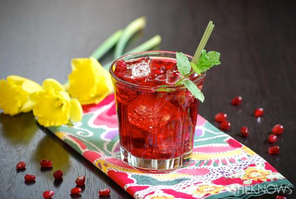 Pomegranate vodka cocktail recipe