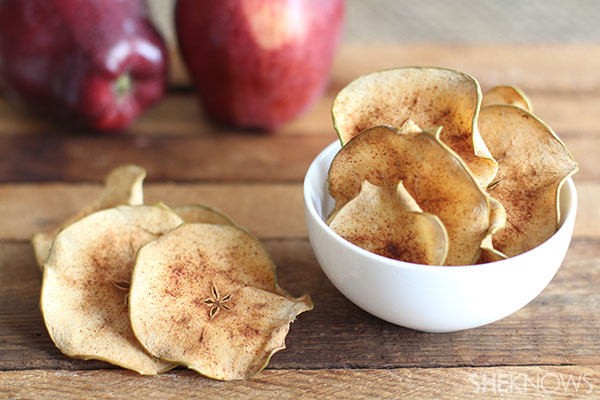 Cinnamon sugar baked apple pie crisps