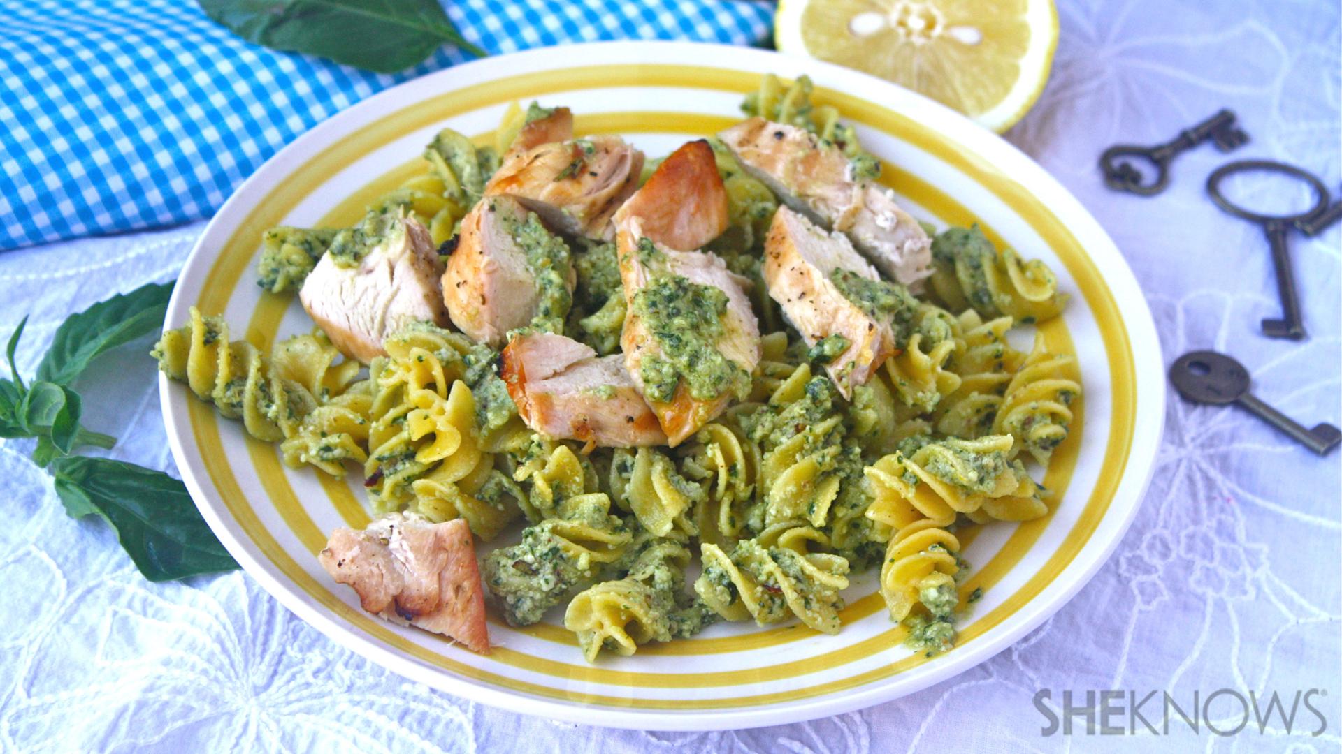 Gluten-free spicy lemon-pesto pasta with chicken