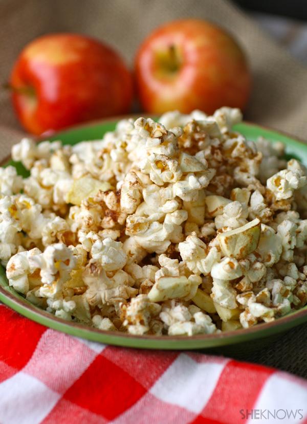 Gluten-free apple pie-flavored popcorn