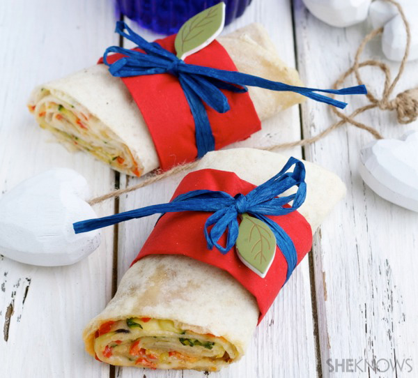 Vegetable pizza roll sandwich