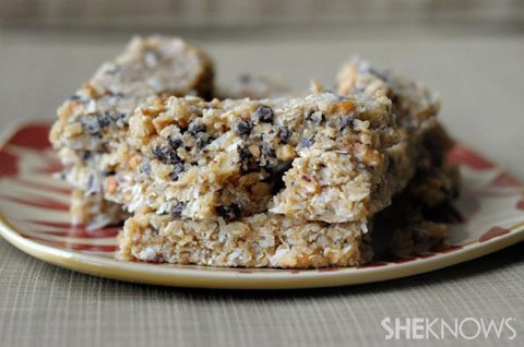 Homemade granola bars... the perfectly portable back-to-school snack