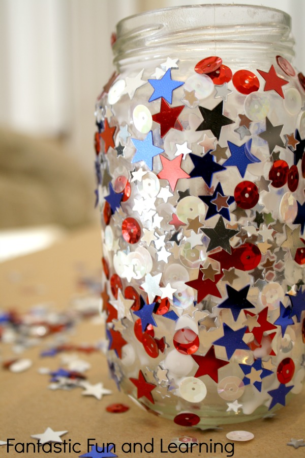 Patriotic jar candle | Sheknows.com