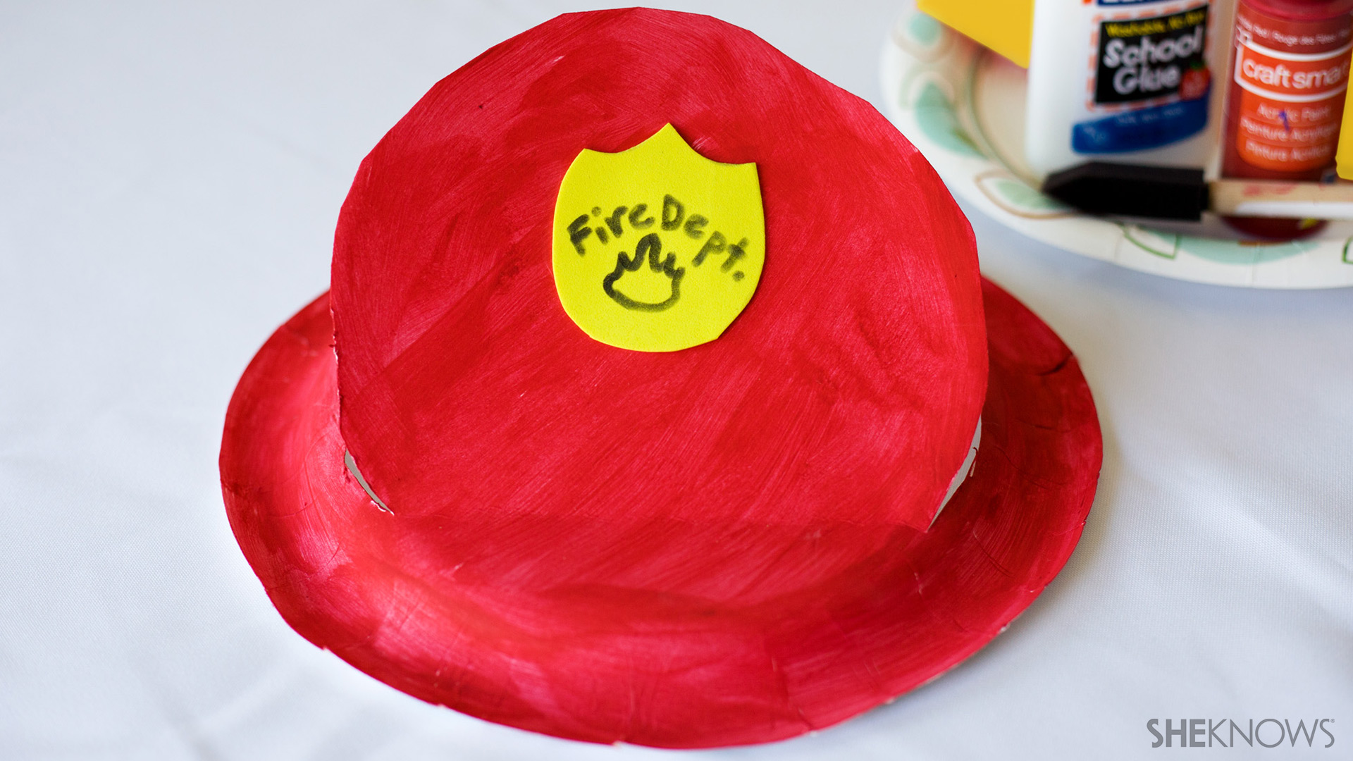 Paper plate firefighter hat | Sheknows.com