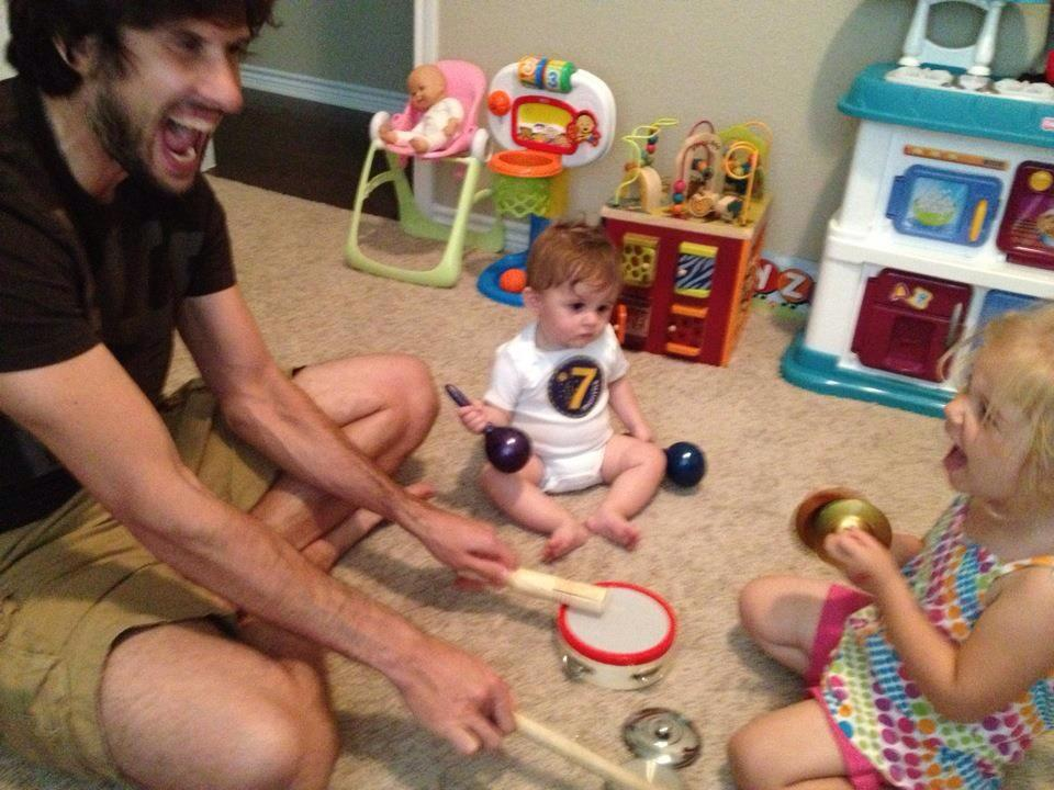 Dads teach you how to play the drums | Sheknows.com