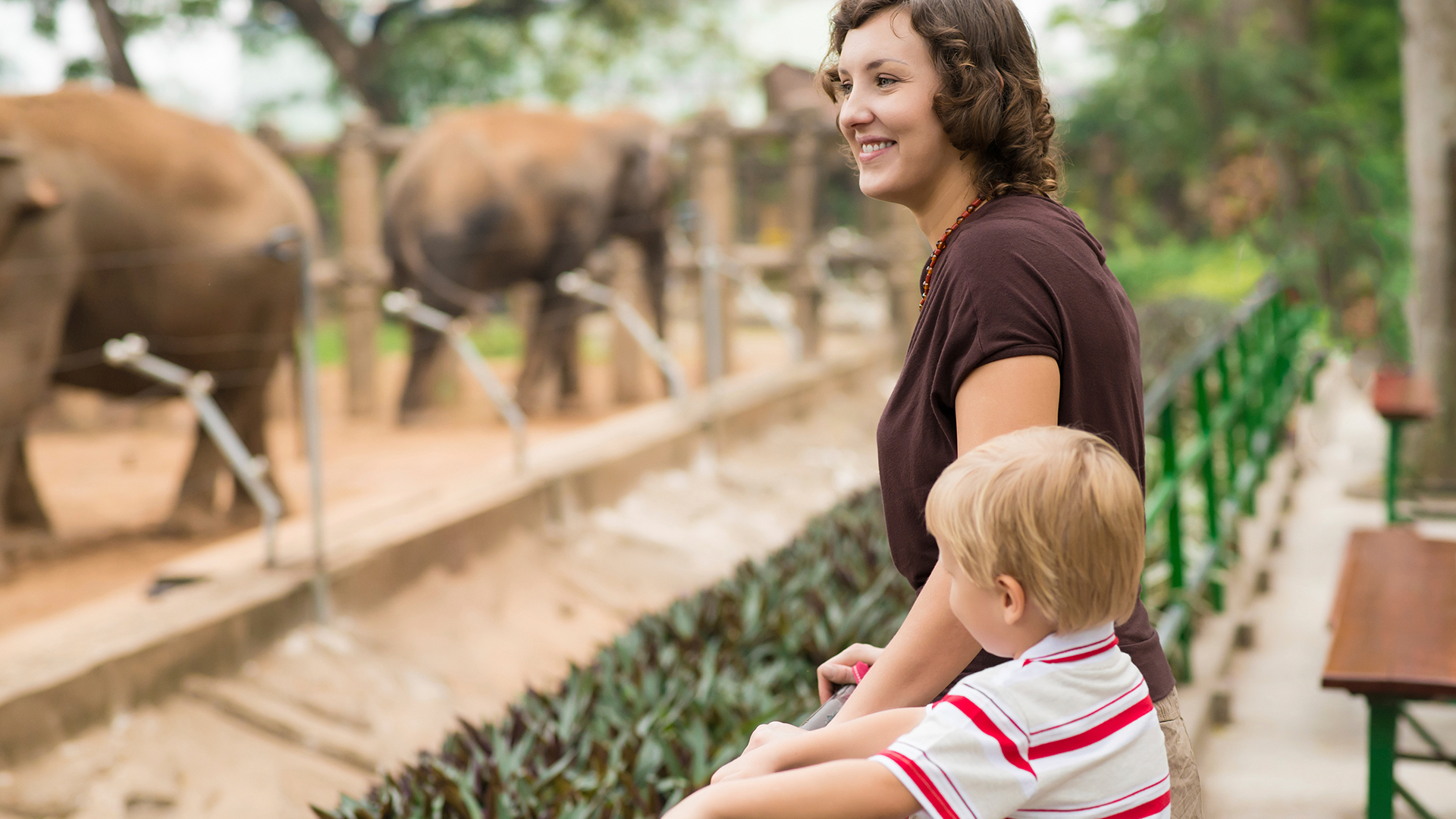 Mother and son at the zoo | Sheknows.com