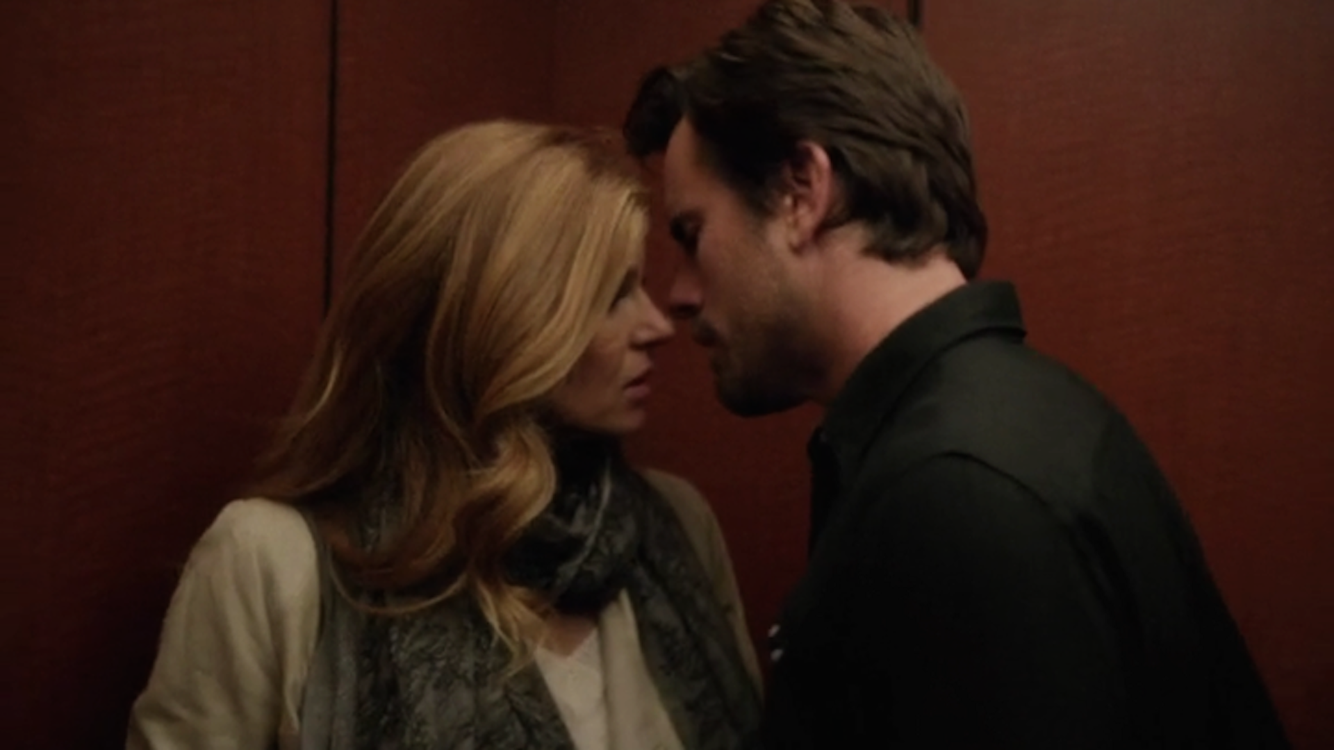 Rayna and Deacon almost kiss on Nashville