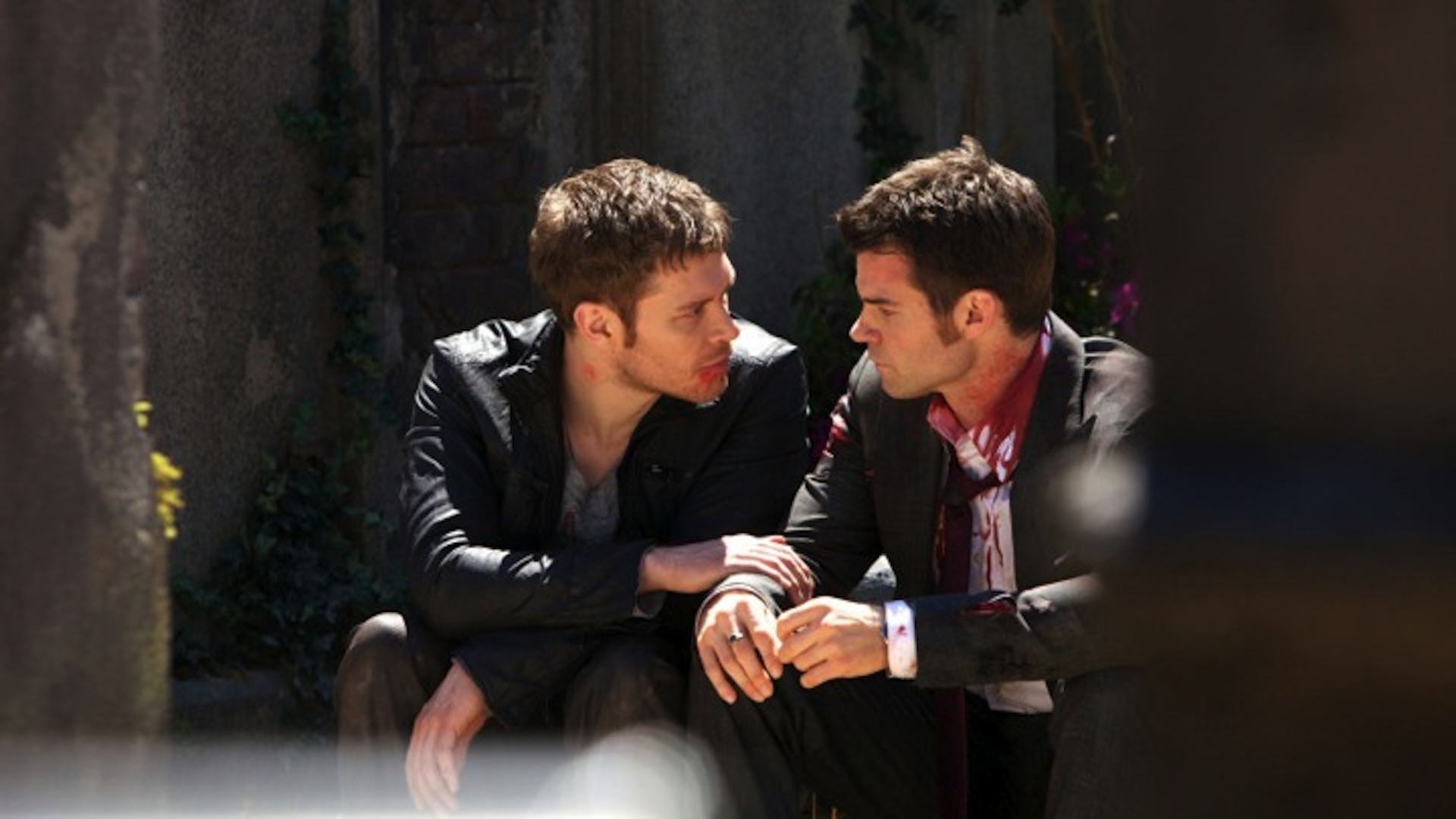Elijah and Klaus have a heart to heart on The Originals