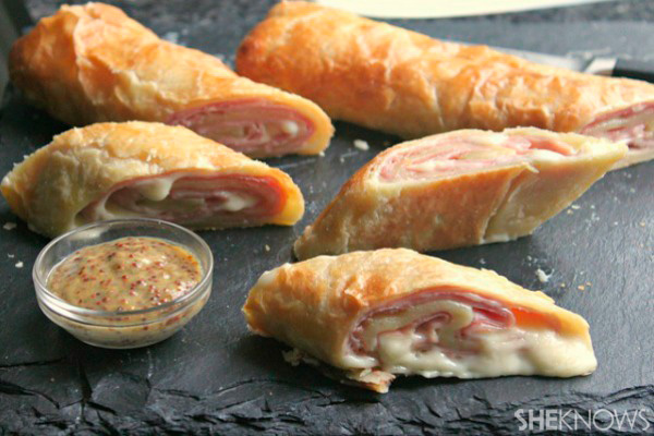 Ham and cheese puff pastry stomboli