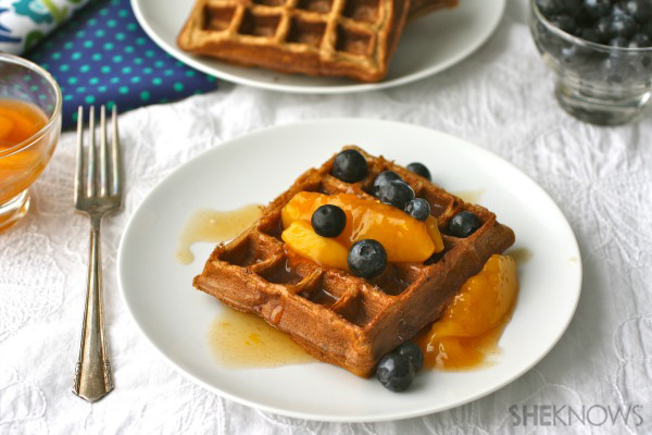 Cinnamon-peach waffles with peach topping
